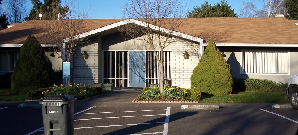 Glenwood Mobile Home Park a Senior Community in Medford Oregon